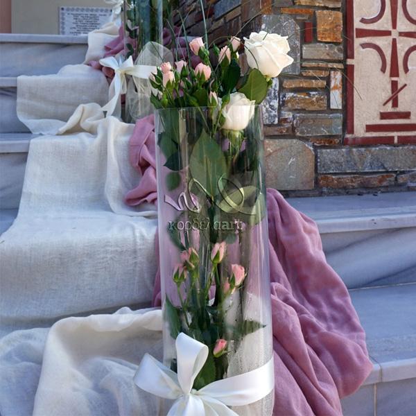Στολισμός γάμου με φυσικά τριαντάφυλλα
