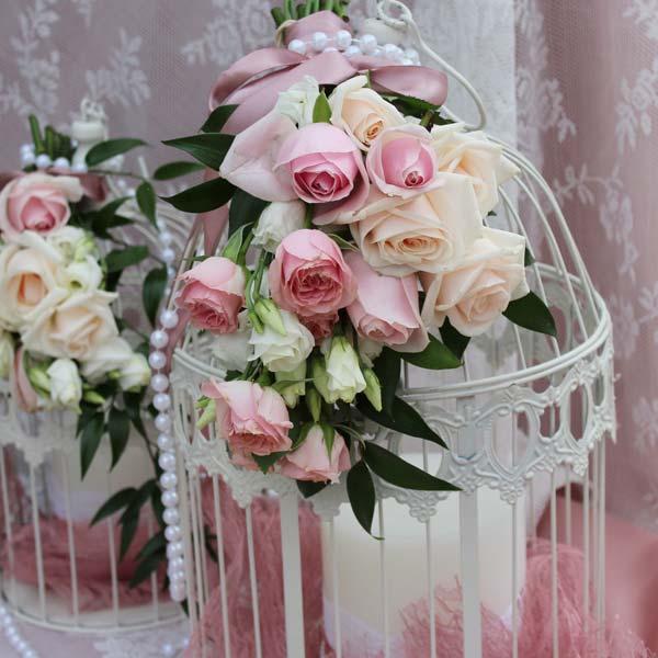 Στολισμός βάπτισης με τριαντάφυλλα